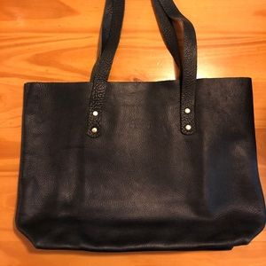 Chic Sparrow Rustic Tote Black